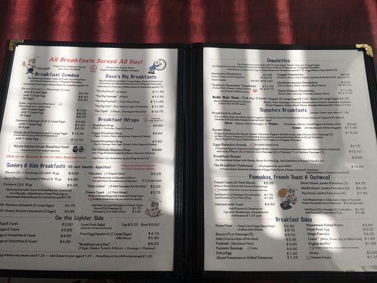 ‪‪Lindsay‬, كندا: Pretty nice breakfast menu. This was only the first pages then waitress came and I could not get‬