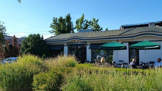 Bronxville, estado de Nueva York: Starbucks