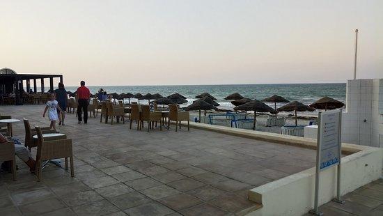 SENTIDO Djerba Beach: Пляж и место вечерноего отдыха