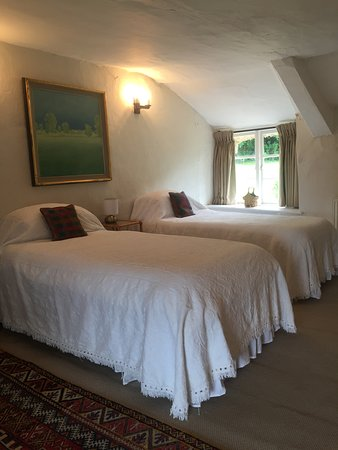 Culmstock, UK: twin beds