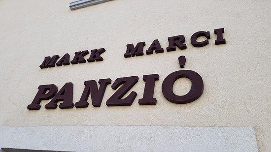 Makk Marci Panzio-Pizzeria