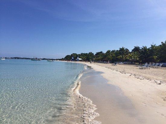 Couples Swept Away: Beautiful beach