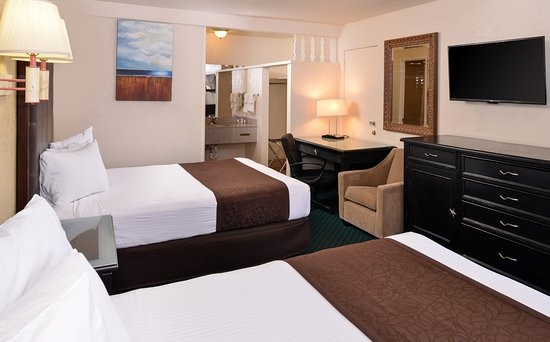 Americas Best Value Inn and Suites - Flagstaff: Two Queen Beds