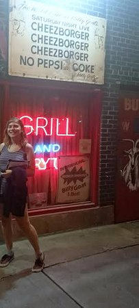Chicago Detours : The SNL Billy Goat bar - where the group stops for a beer and burger