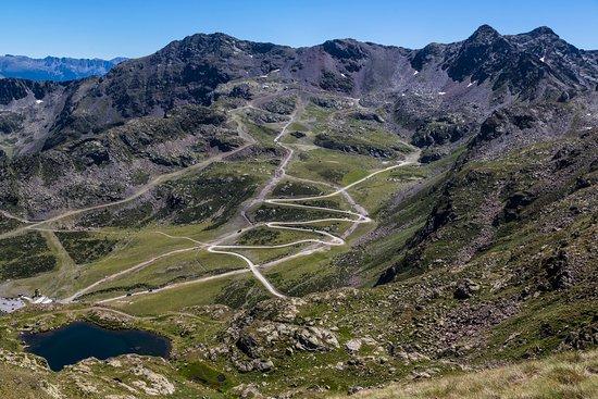 Ordino, Andorre : Vistas desde el telesillas de Creussans / Vue panoramique depuis le t´lésiège de Creussans