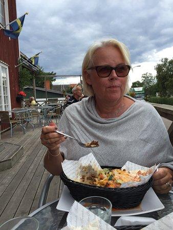 Odeshog, Suecia: 31 ans glass och kök ett trevligt litet ställe på hästholmen utanför Ödeshög Egentillverkning av