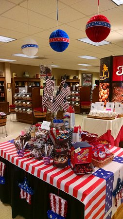 Elgin, IL: Independence Day Display