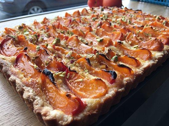 Ozoir-la-Ferriere, Frankreich: Tarte amandine abricots