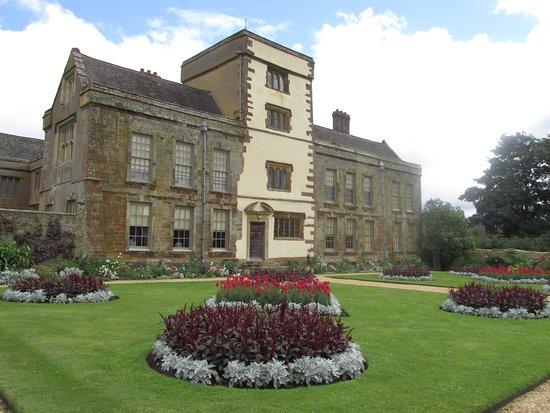 Daventry, UK: House & garden