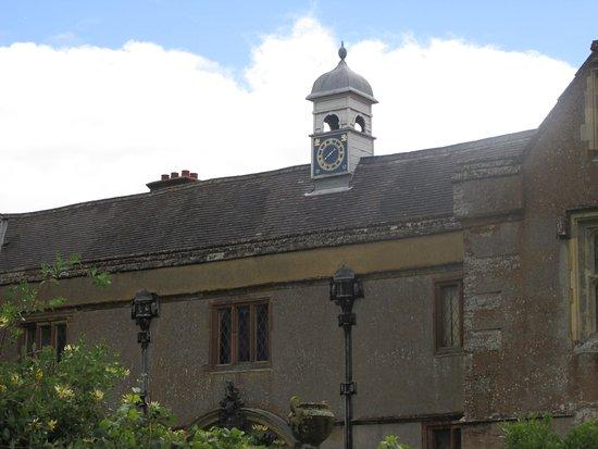 Daventry, UK: Clock on house