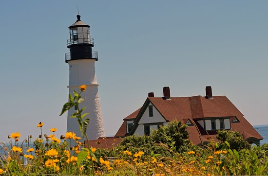 Portland Head Light: Beautiful lighthouse and surroundings