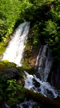 Waterfall Ptichiy Klyuv