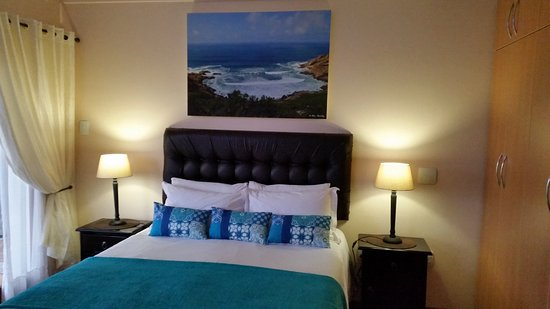 Aquamarine Guest House: Self Catering unit with sea view patio