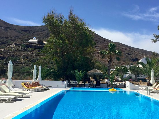 Pelagos Hotel-Oia: View from the pool