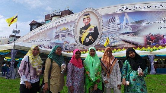 Limau Manis, Brunei : Sultan 70th Birthday celebration