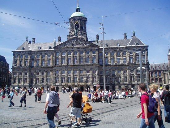Dam uden tivoli kongepaladset picture of dam square for Dam in amsterdam