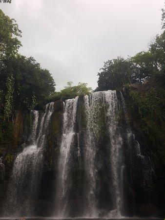 Area de Conservacion Guanacaste, Costa Rica: View of the falls up close