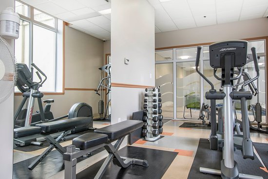 Quality Suites Drummondville: Gym