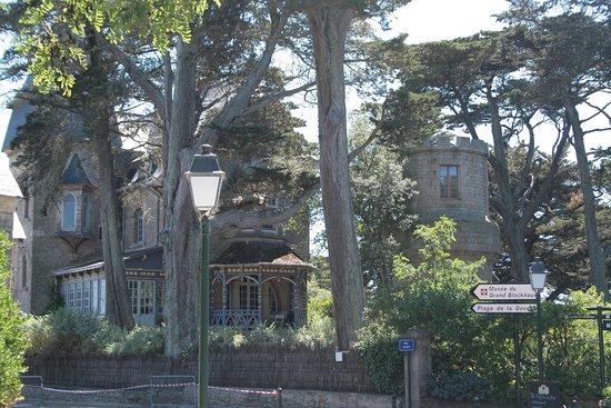 Batz-sur-Mer, France: Le prieuré Saint-Georges
