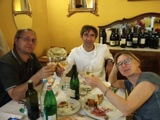 Tortona, Italië: IMG_20160716_213734_large.jpg