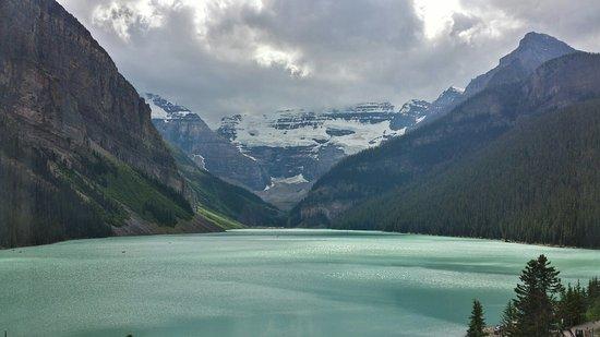 Fairmont Chateau Lake Louise: 20160725_162856_Richtone(HDR)_large.jpg