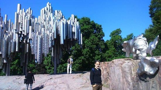 The Sibelius Monument: Sibelius Monument, Helsinski, Finlandia