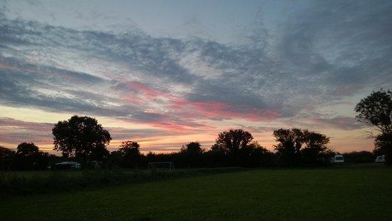 Kessingland, UK: Sunset over the Hollies.