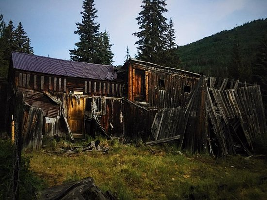 Nathrop, CO: One of the old houses in St. Elmo Ghost Town (Picture taken by me)
