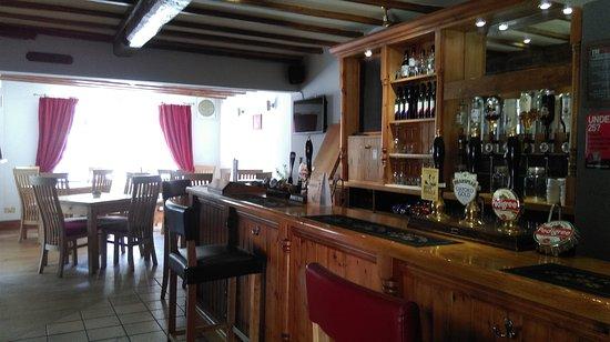 Repton, UK: Lovely bar area