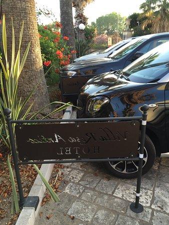 Hotel Villa Rosa Antico: Parcheggio
