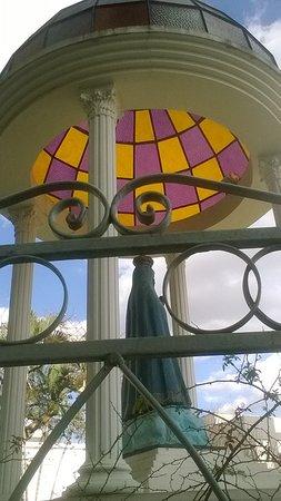 Arapongas, PR: Igreja Matriz Santuario N. Sra. Aparecida (Gazebo)