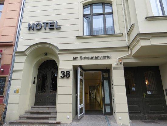 Hotel 38 : Entrén