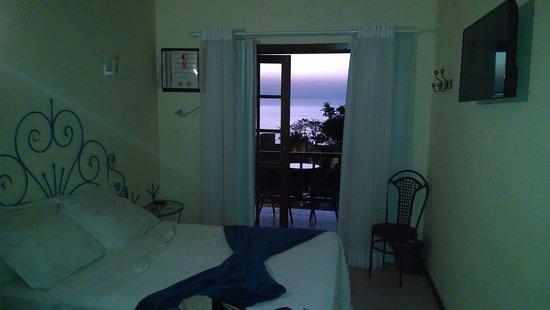 Coronado Beach Hotel: Habitación de Lujo con vista al mar