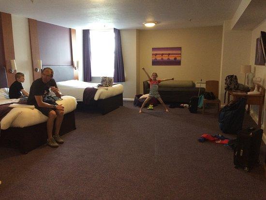 Premier Inn London County Hall Hotel: photo1.jpg