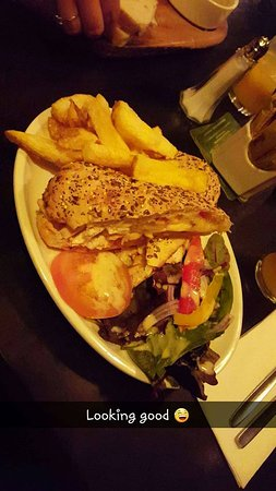 Strandhill, Ireland: Pannie with chicken cheese and sweet chilli it was alot nicer than it even looks