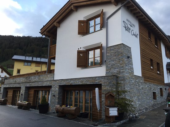 Celerina, Zwitserland: Front of the Hotel