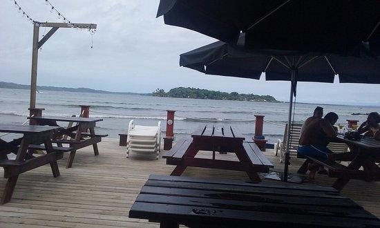 Carenero Island, Panama: Deck de Bibi's on the beach
