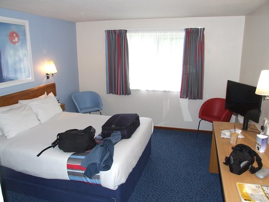Washington, UK: Large room and bed