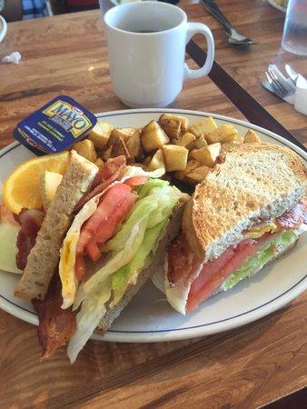 Orangeville, Canada: Big portions and delicious