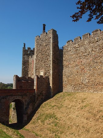 Framlingham, UK: The castle entrance from the moat ditch
