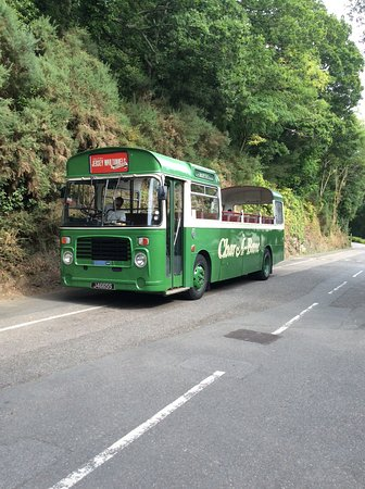 St. Lawrence, UK: Charabanc bus for a good experience