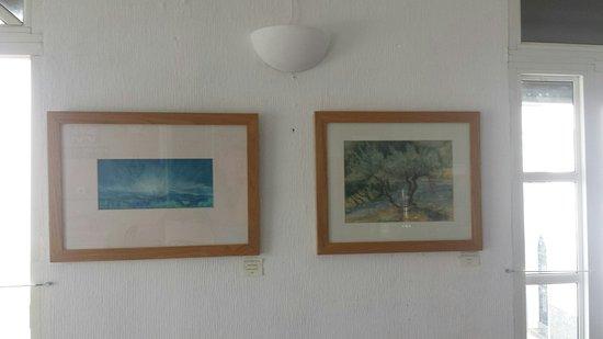 Iznájar, España: Local artist in Bar Verde
