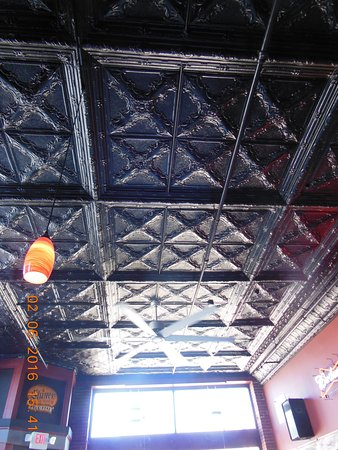 Rock Falls, IL: original tin ceiling