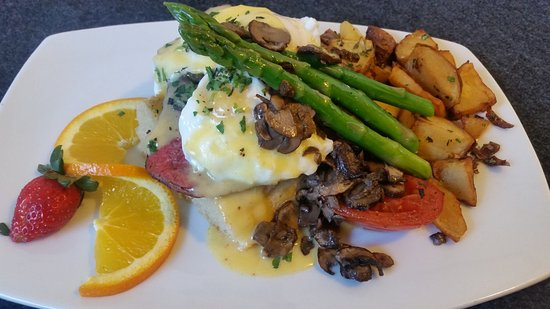 Evergreen, CO: Filet Mignon Benedict at Brunch