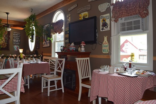 Proctorsville, VT: Cute, homey dining area. It is upstairs so make sure you can climb stairs.