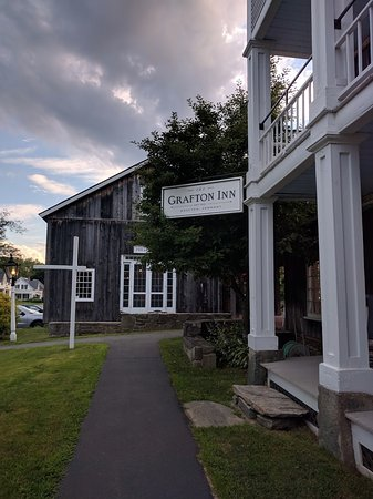 Grafton, VT: Exterior of the Inn with Barn in Background