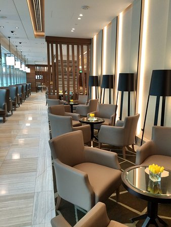 Ahlan Business Class Lounge: Lounge Sitting Area