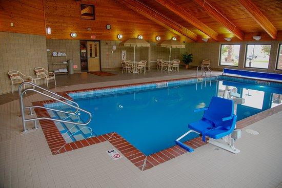 Havre, MT: Saltwater pool and spa