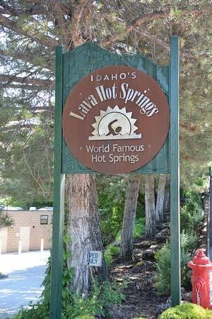 Lava Hot Springs, ID: Street Signage
