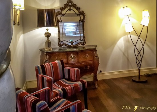 Royal Wilson: A small room next to the reception